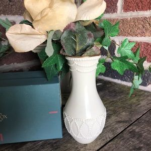 lenox Accents - Lenox bud vase new in box; 24k gold trim